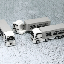 China 4GB 16GB Brand Customized 3D Truck Shaped PVC USB Stick Flash Drive factory